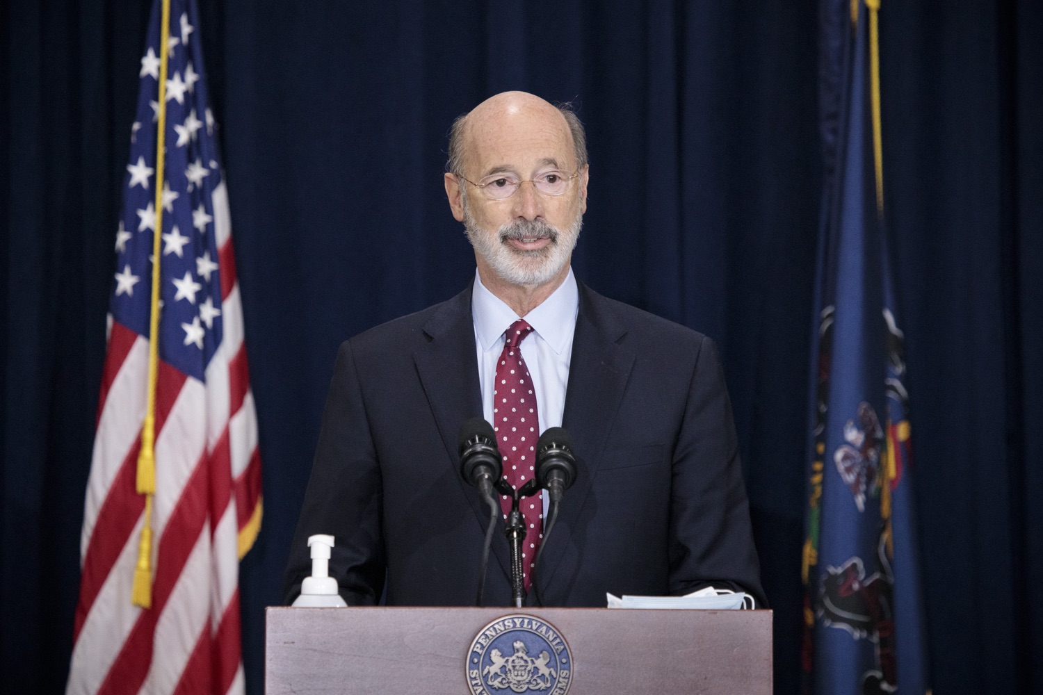 """<a href=""""https://filesource.wostreaming.net/commonwealthofpa/photo/18379_gov_election_update_dz_013.JPG"""" target=""""_blank"""">⇣Download Photo<br></a>Pennsylvania Governor Tom Wolf answers questions from the press.  Governor Tom Wolf and Pennsylvania Secretary of State Kathy Boockvar gave an update on the election in Pennsylvania.  NOVEMBER 04, 2020 - HARRISBURG, PA"""