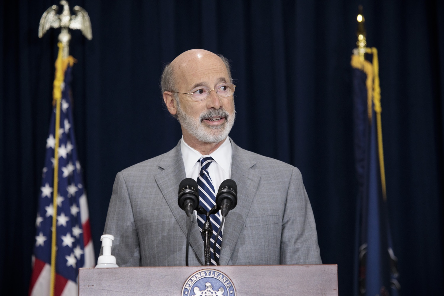 """<a href=""""https://filesource.wostreaming.net/commonwealthofpa/photo/18380_gov_election_update_dz_002.jpg"""" target=""""_blank"""">⇣Download Photo<br></a>Pennsylvania Governor Tom Wolf speaks to the press.  Governor Tom Wolf and Pennsylvania Secretary of State Kathy Boockvar gave an update on the election process in Pennsylvania. NOVEMBER 04, 2020 - HARRISBURG, PA"""