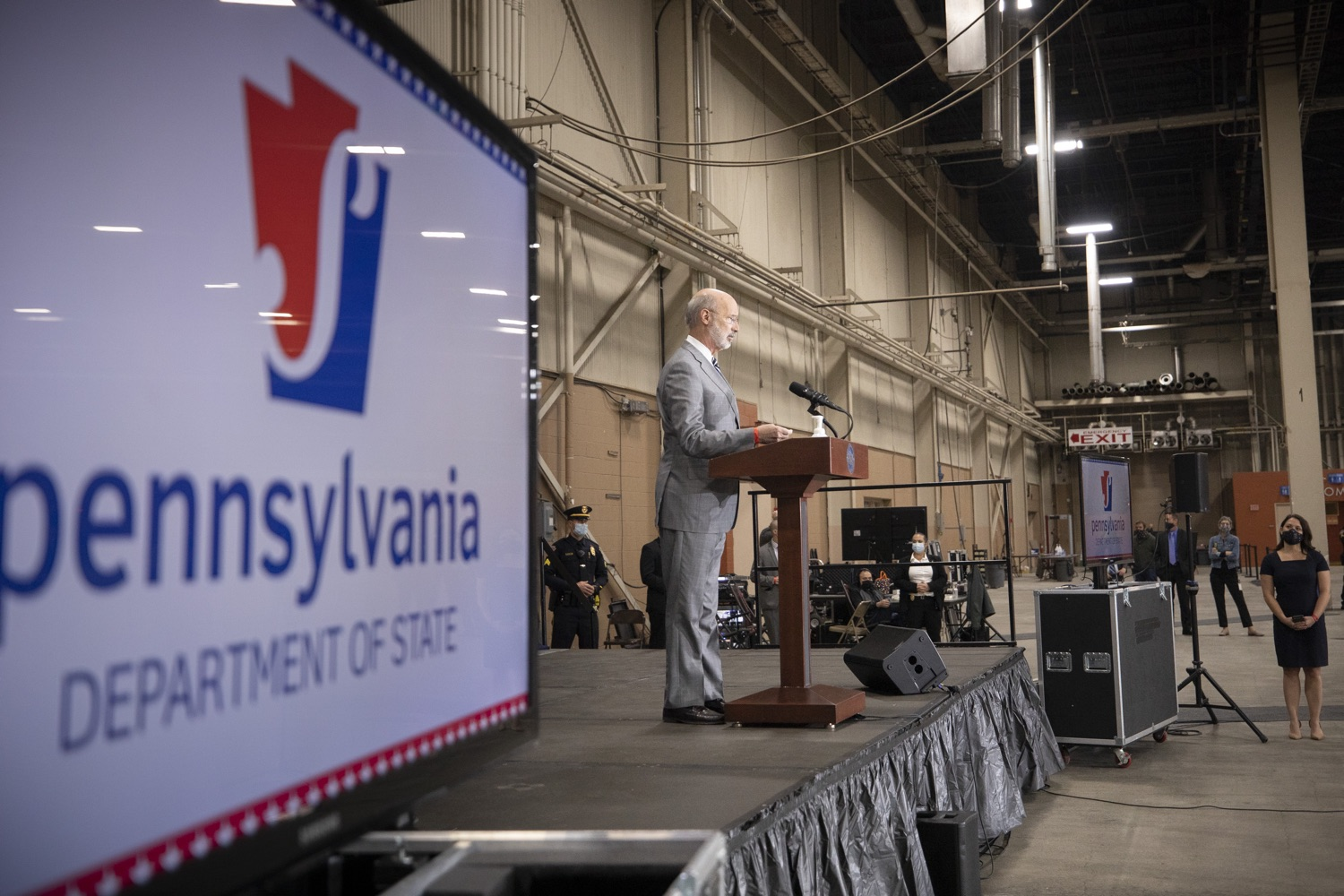 """<a href=""""https://filesource.wostreaming.net/commonwealthofpa/photo/18380_gov_election_update_dz_004.jpg"""" target=""""_blank"""">⇣Download Photo<br></a>Pennsylvania Governor Tom Wolf speaks to the press.  Governor Tom Wolf and Pennsylvania Secretary of State Kathy Boockvar gave an update on the election process in Pennsylvania. NOVEMBER 04, 2020 - HARRISBURG, PA"""