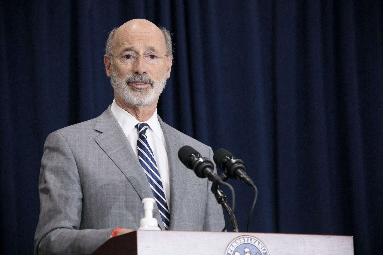 """<a href=""""https://filesource.wostreaming.net/commonwealthofpa/photo/18380_gov_election_update_dz_007.jpg"""" target=""""_blank"""">⇣Download Photo<br></a>Pennsylvania Governor Tom Wolf speaks to the press.  Governor Tom Wolf and Pennsylvania Secretary of State Kathy Boockvar gave an update on the election process in Pennsylvania. NOVEMBER 04, 2020 - HARRISBURG, PA"""