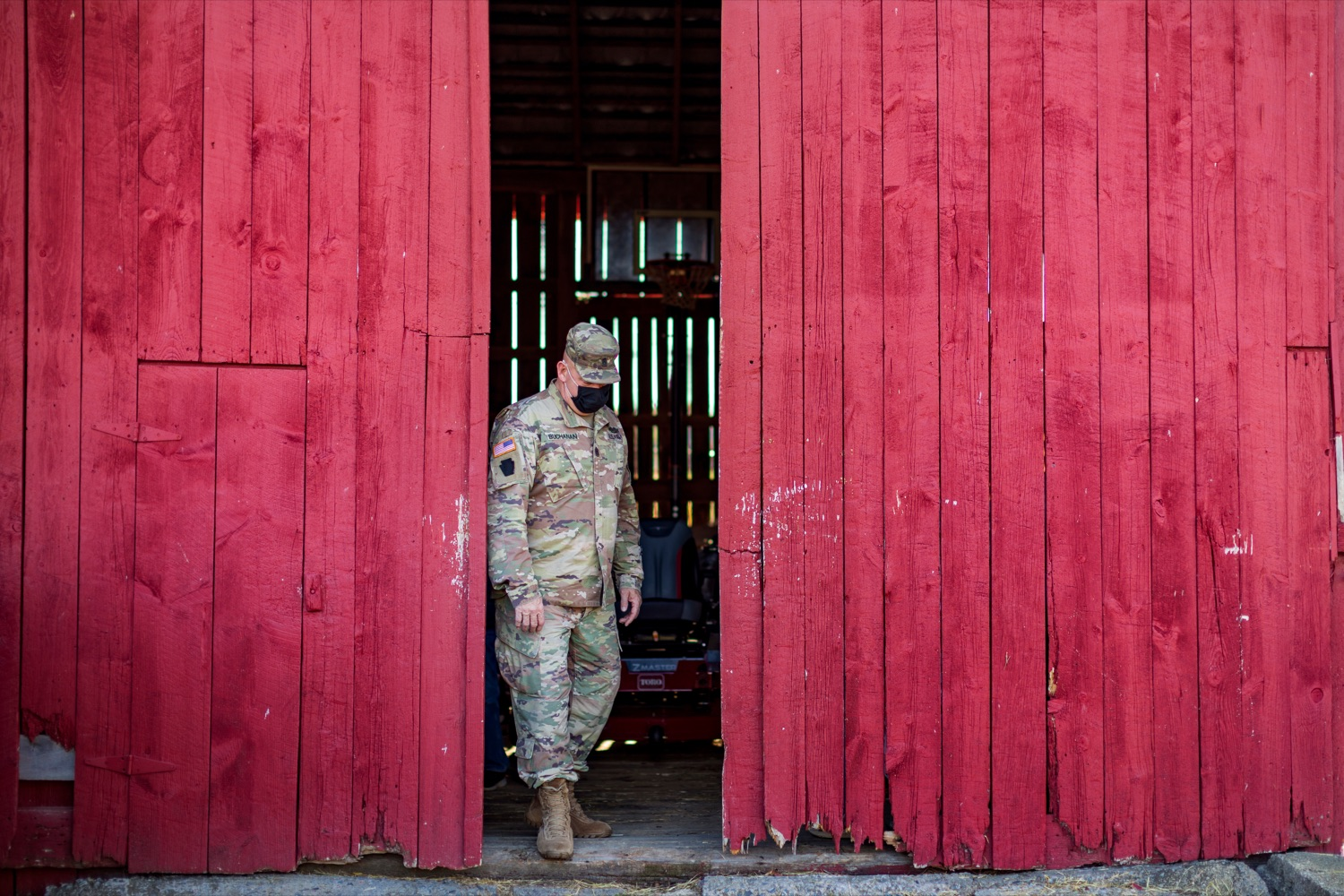 """<a href=""""https://filesource.wostreaming.net/commonwealthofpa/photo/18388_AGRIC_Veteran_Farmers_NK_006.jpg"""" target=""""_blank"""">⇣Download Photo<br></a>Command Sgt. Maj. Harry J. Buchanan, senior enlisted leader for Pennsylvania National Guard, tours Hubbard's Family Ranch in Adams County on Friday, November 6, 2020. Hubbard's Family Ranch received grants in September through the states $10 million Fresh Food Financing Initiative COVID-19 Relief Fund to expand access to fresh food in low-income communities during the pandemic."""