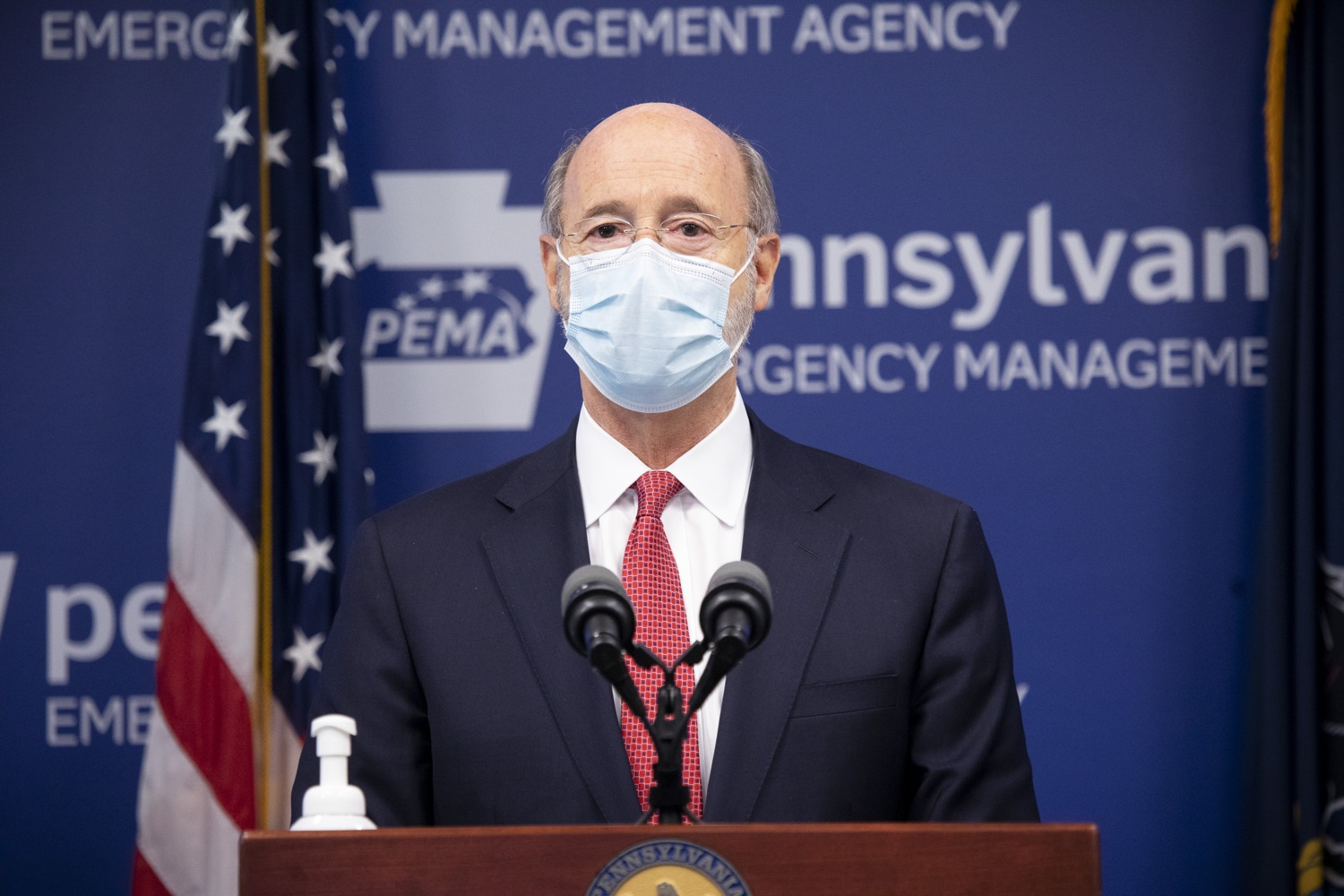 "<a href=""https://filesource.wostreaming.net/commonwealthofpa/photo/18405_gov_covidUpdate_dz_009.jpg"" target=""_blank"">⇣ Download Photo<br></a>Pennsylvania Governor Tom Wolf answers questions from the press.  With new modeling projecting 22,000 new COVID-19 cases per day in Pennsylvania in December, Governor Tom Wolf and Secretary of Health Dr. Rachel Levine today announced new targeted mitigation measures to help stop the spread during this critical time. These include a robust enforcement plan targeted at chronic violators along with an effort to ensure schools are safe and in compliance with COVID safety plans. The administration is also encouraging Pennsylvanians to limit unnecessary travel and stay at home.  Harrisburg, Pa. November 23, 2020"