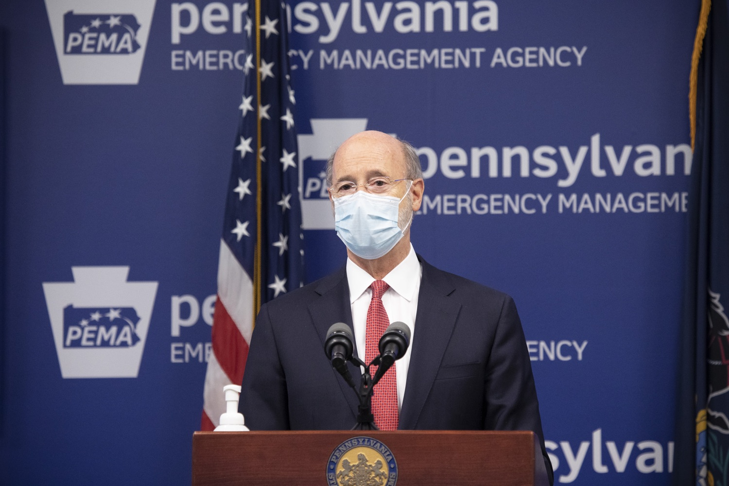 "<a href=""https://filesource.wostreaming.net/commonwealthofpa/photo/18405_gov_covidUpdate_dz_012.jpg"" target=""_blank"">⇣ Download Photo<br></a>Pennsylvania Governor Tom Wolf answers questions from the press.  With new modeling projecting 22,000 new COVID-19 cases per day in Pennsylvania in December, Governor Tom Wolf and Secretary of Health Dr. Rachel Levine today announced new targeted mitigation measures to help stop the spread during this critical time. These include a robust enforcement plan targeted at chronic violators along with an effort to ensure schools are safe and in compliance with COVID safety plans. The administration is also encouraging Pennsylvanians to limit unnecessary travel and stay at home.  Harrisburg, Pa. November 23, 2020"
