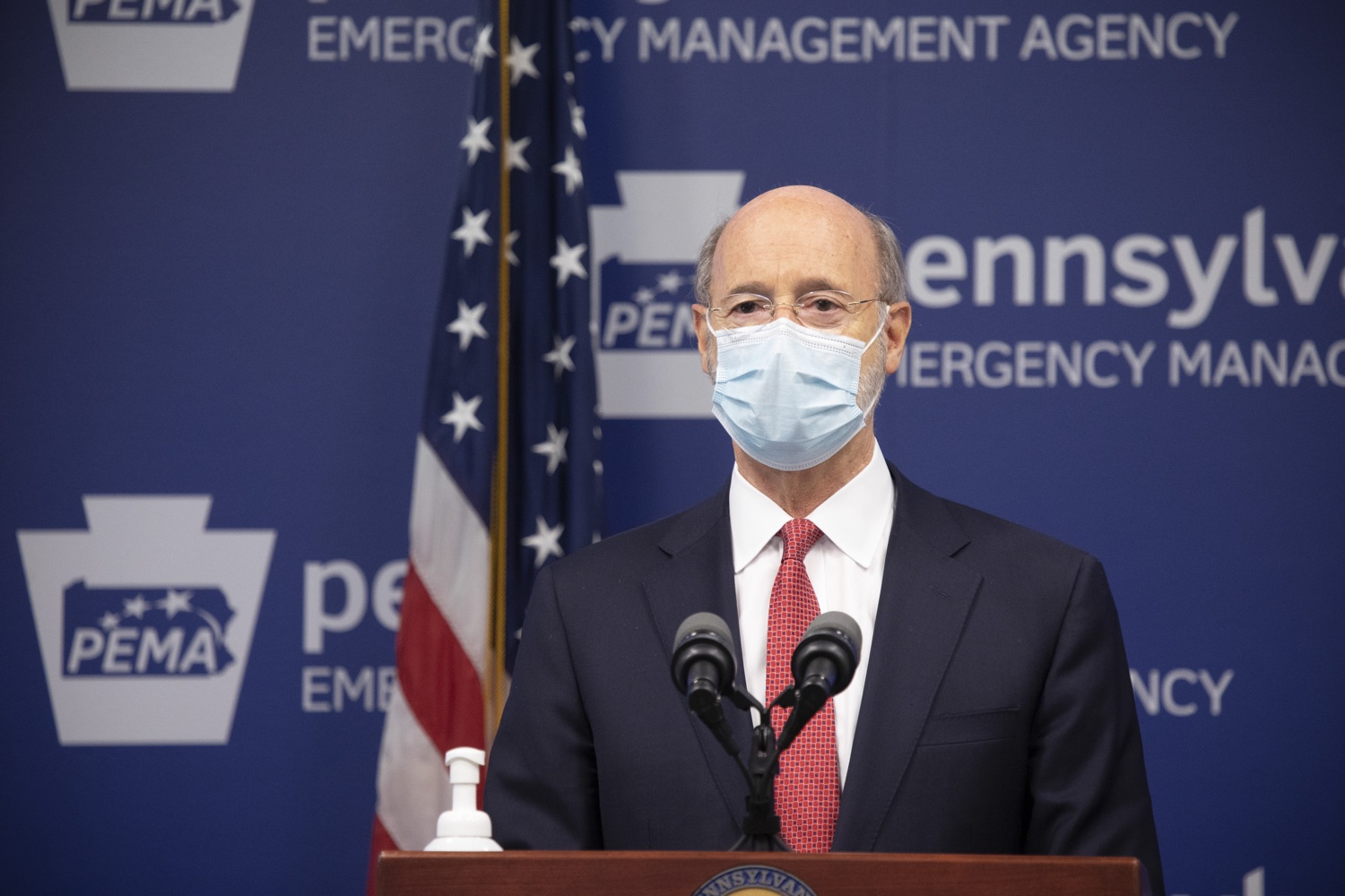 "<a href=""https://filesource.wostreaming.net/commonwealthofpa/photo/18405_gov_covidUpdate_dz_014.jpg"" target=""_blank"">⇣ Download Photo<br></a>Pennsylvania Governor Tom Wolf answers questions from the press.  With new modeling projecting 22,000 new COVID-19 cases per day in Pennsylvania in December, Governor Tom Wolf and Secretary of Health Dr. Rachel Levine today announced new targeted mitigation measures to help stop the spread during this critical time. These include a robust enforcement plan targeted at chronic violators along with an effort to ensure schools are safe and in compliance with COVID safety plans. The administration is also encouraging Pennsylvanians to limit unnecessary travel and stay at home.  Harrisburg, Pa. November 23, 2020"