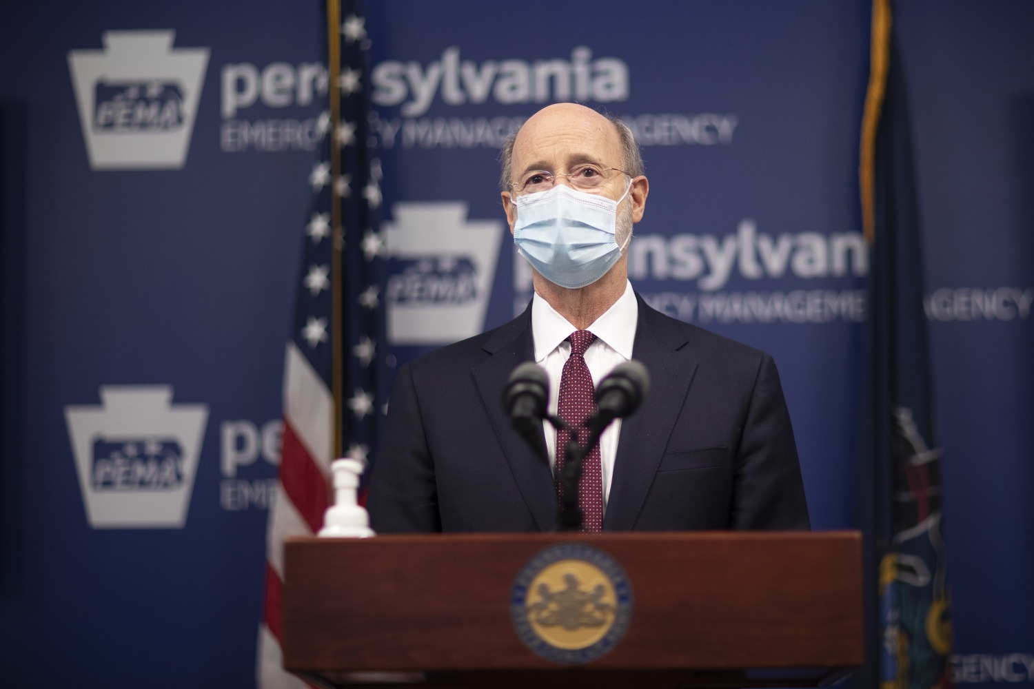 "<a href=""https://filesource.wostreaming.net/commonwealthofpa/photo/18477_gov_covidUpdate_dz_13.jpg"" target=""_blank"">⇣ Download Photo<br></a>Pennsylvania Governor Tom Wolf answers questions from the press.  An orderly, planned distribution of the COVID-19 vaccine is a priority of the Wolf Administration and today, Governor Tom Wolf and Department of Health Secretary Dr. Rachel Levine shared an update on the vaccine, stressing its safety and efficacy. Harrisburg, PA  January 12, 2021"