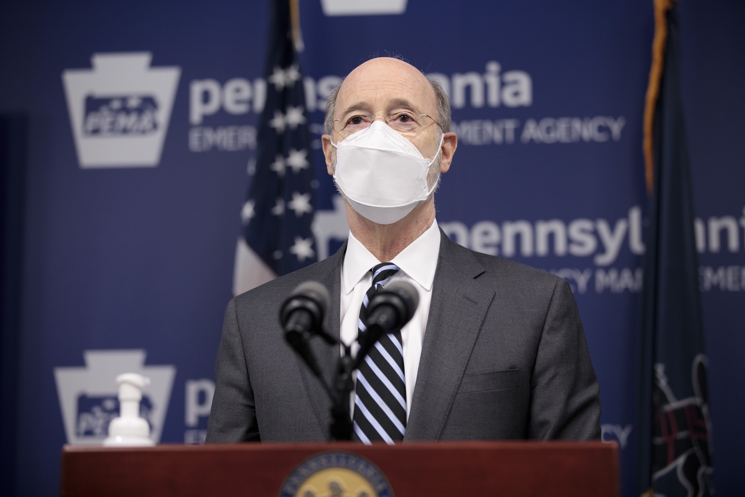 "<a href=""https://filesource.wostreaming.net/commonwealthofpa/photo/18521_gov_minimumWage_dz_16.jpg"" target=""_blank"">⇣ Download Photo<br></a>Pennsylvania Governor Tom Wolf answers questions from the press.  Building on his plan to cut personal income taxes for 2.8 million Pennsylvanians, Governor Tom Wolf wants to help thousands of essential workers struggling to buy food and avoid homelessness because of poverty wages. Today, the governor renewed his call to increase the states embarrassingly low minimum wage to $12 per hour on July 1, with annual increases of $0.50 until reaching $15 per hour on July 1, 2027. FEBRUARY 09, 2021 - HARRISBURG, PA"