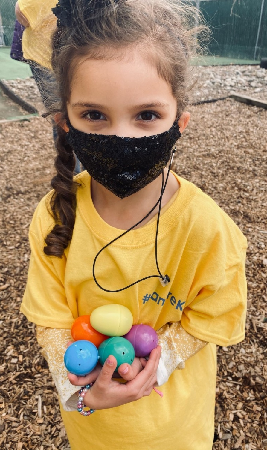 """<a href=""""https://filesource.wostreaming.net/commonwealthofpa/photo/18632_FL_BuildingBlocksLearningCenter_02.jpg"""" target=""""_blank"""">⇣Download Photo<br></a> Virtual Egg Hunt with the First Lady"""
