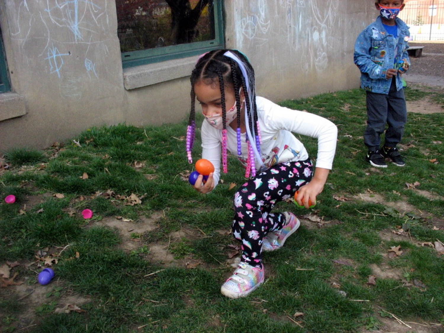 """<a href=""""https://filesource.wostreaming.net/commonwealthofpa/photo/18632_FL_ShadyLaneSchool_Pittsburgh_03.JPG"""" target=""""_blank"""">⇣Download Photo<br></a> Virtual Egg Hunt with the First Lady"""