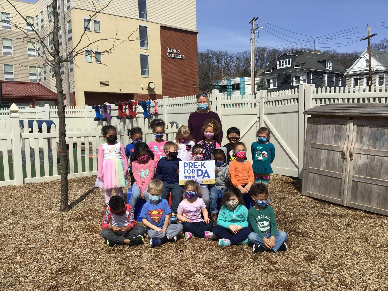 """<a href=""""https://filesource.wostreaming.net/commonwealthofpa/photo/18632_FL_WB_03.jpg"""" target=""""_blank"""">⇣Download Photo<br></a> Virtual Egg Hunt with the First Lady"""