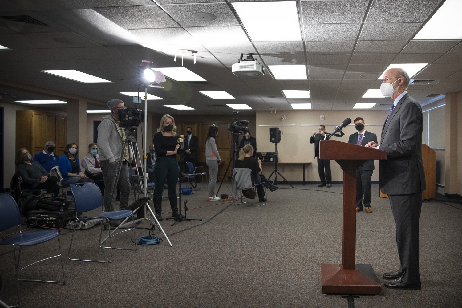 """<a href=""""https://filesource.wostreaming.net/commonwealthofpa/photo/18646_gov_vaccines_dz_002.jpg"""" target=""""_blank"""">⇣Download Photo<br></a>Pennsylvania Governor Tom Wolf speaking with the press.  After vaccinating more than 112,500 teachers and school staff in only about three weeks, Governor Tom Wolf visited Luzerne County today to announce the special vaccination initiative is a success and was completed ahead of schedule. The accomplishment is an important step to help more students and teachers safely return to classrooms across the state.  Kingston, PA - April 2, 2021"""