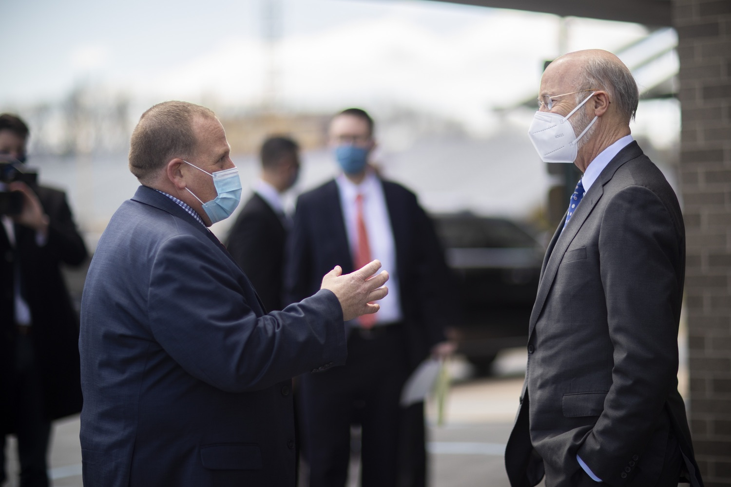 """<a href=""""https://filesource.wostreaming.net/commonwealthofpa/photo/18646_gov_vaccines_dz_005.jpg"""" target=""""_blank"""">⇣Download Photo<br></a>Pennsylvania Governor Tom Wolf visiting with Dr. Tony Grieco, Executive Director, Luzerne Intermediate Unit 18After vaccinating more than 112,500 teachers and school staff in only about three weeks, Governor Tom Wolf visited Luzerne County today to announce the special vaccination initiative is a success and was completed ahead of schedule. The accomplishment is an important step to help more students and teachers safely return to classrooms across the state.  Kingston, PA - April 2, 2021"""