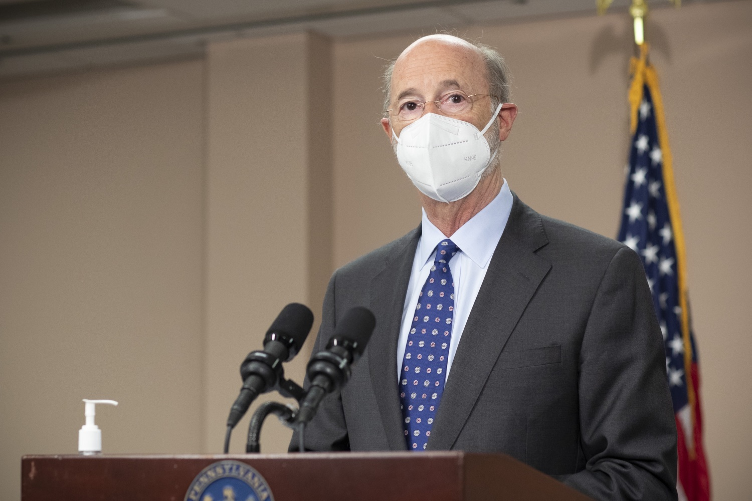 """<a href=""""https://filesource.wostreaming.net/commonwealthofpa/photo/18646_gov_vaccines_dz_010.jpg"""" target=""""_blank"""">⇣Download Photo<br></a>Pennsylvania Governor Tom Wolf speaking with the press.  After vaccinating more than 112,500 teachers and school staff in only about three weeks, Governor Tom Wolf visited Luzerne County today to announce the special vaccination initiative is a success and was completed ahead of schedule. The accomplishment is an important step to help more students and teachers safely return to classrooms across the state.  Kingston, PA - April 2, 2021"""
