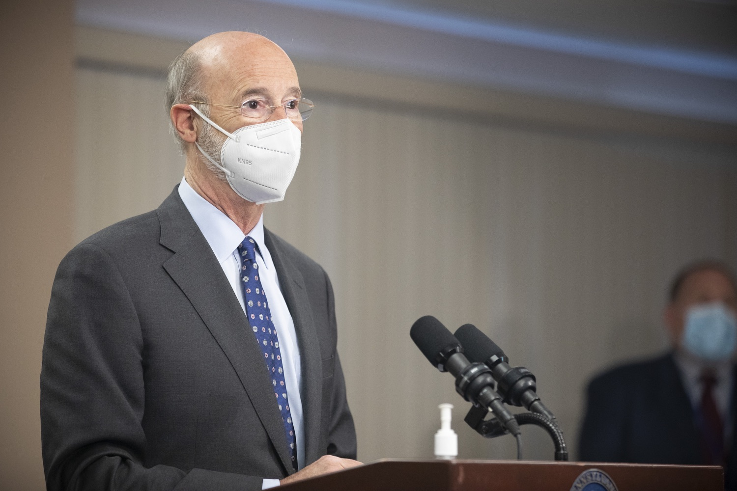"""<a href=""""https://filesource.wostreaming.net/commonwealthofpa/photo/18646_gov_vaccines_dz_011.jpg"""" target=""""_blank"""">⇣Download Photo<br></a>Pennsylvania Governor Tom Wolf speaking with the press.  After vaccinating more than 112,500 teachers and school staff in only about three weeks, Governor Tom Wolf visited Luzerne County today to announce the special vaccination initiative is a success and was completed ahead of schedule. The accomplishment is an important step to help more students and teachers safely return to classrooms across the state.  Kingston, PA - April 2, 2021"""