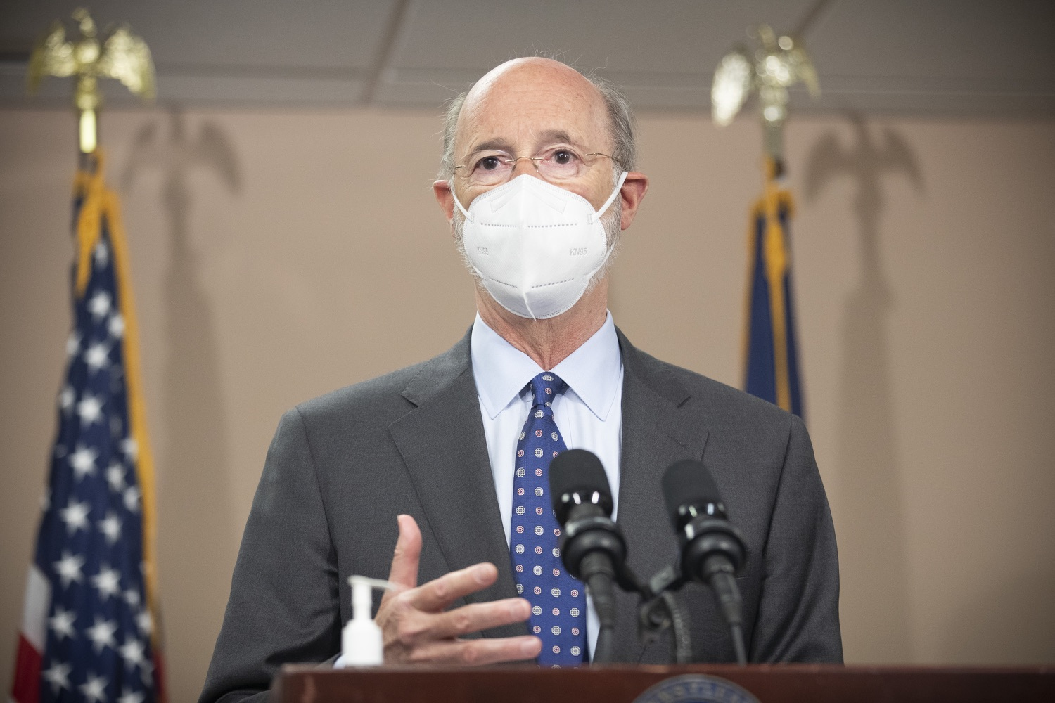 """<a href=""""https://filesource.wostreaming.net/commonwealthofpa/photo/18646_gov_vaccines_dz_013.jpg"""" target=""""_blank"""">⇣Download Photo<br></a>Pennsylvania Governor Tom Wolf speaking with the press.  After vaccinating more than 112,500 teachers and school staff in only about three weeks, Governor Tom Wolf visited Luzerne County today to announce the special vaccination initiative is a success and was completed ahead of schedule. The accomplishment is an important step to help more students and teachers safely return to classrooms across the state.  Kingston, PA - April 2, 2021"""