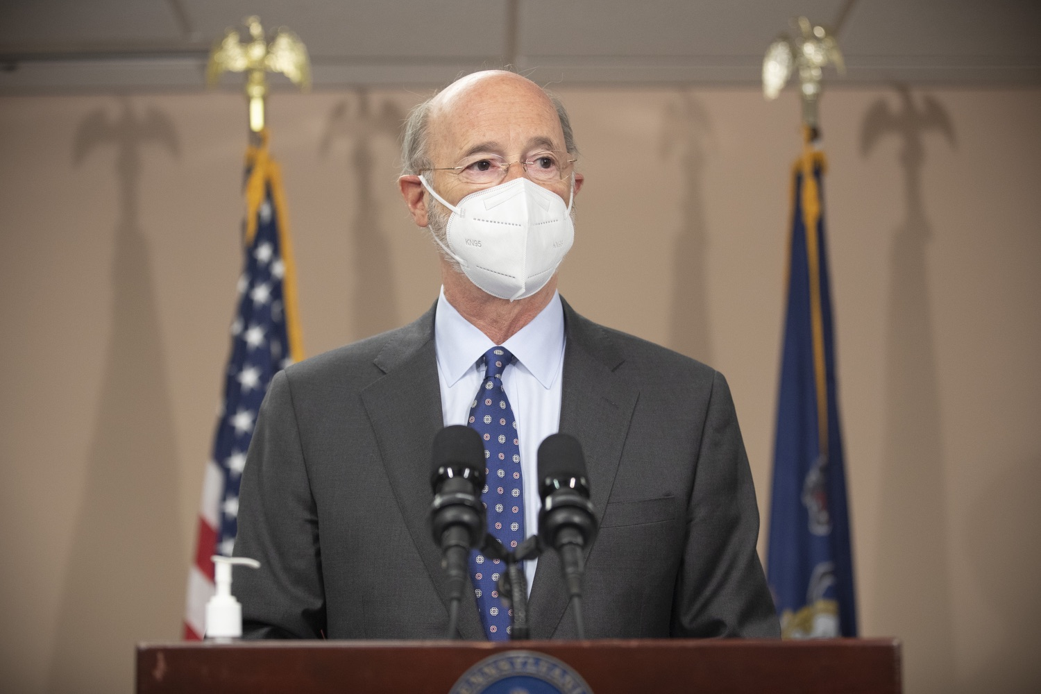 """<a href=""""https://filesource.wostreaming.net/commonwealthofpa/photo/18646_gov_vaccines_dz_017.jpg"""" target=""""_blank"""">⇣Download Photo<br></a>Pennsylvania Governor Tom Wolf speaking with the press.  After vaccinating more than 112,500 teachers and school staff in only about three weeks, Governor Tom Wolf visited Luzerne County today to announce the special vaccination initiative is a success and was completed ahead of schedule. The accomplishment is an important step to help more students and teachers safely return to classrooms across the state.  Kingston, PA - April 2, 2021"""