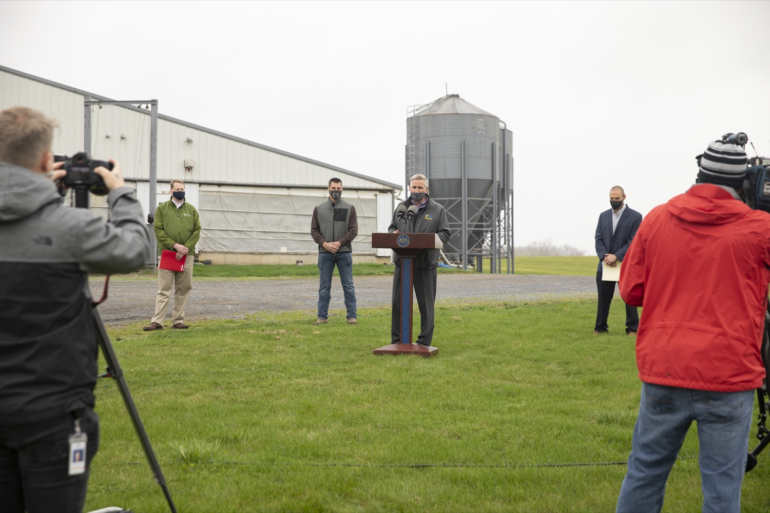 """<a href=""""https://filesource.wostreaming.net/commonwealthofpa/photo/18647_agric_vitalityGrants_cz_01.jpg"""" target=""""_blank"""">⇣Download Photo<br></a>Secretary of Agriculture Russell Redding announces the opening of the $1 million Farm Vitality Grant Program, which seeks to enhance the vitality of Pennsylvanias farms. Boiling Springs, PA on April 9, 2021."""