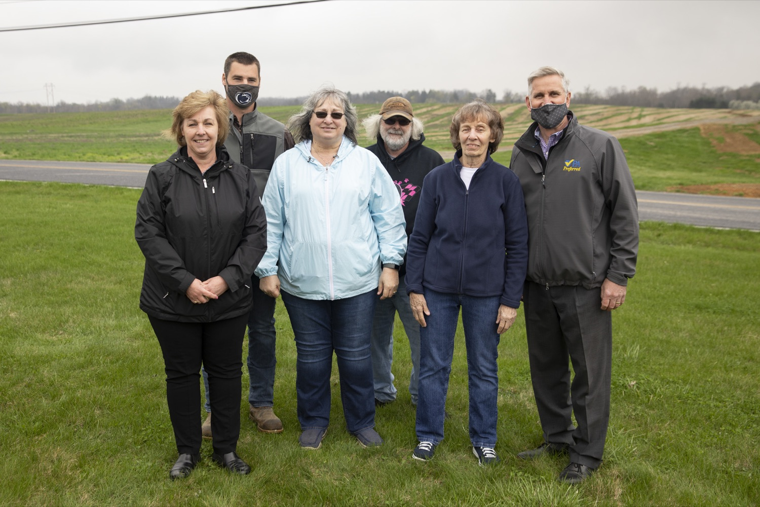 """<a href=""""https://filesource.wostreaming.net/commonwealthofpa/photo/18647_agric_vitalityGrants_cz_05.jpg"""" target=""""_blank"""">⇣Download Photo<br></a>Secretary of Agriculture Russell Redding poses with Trevor Gill and his family in Boiling Springs, PA on April 9, 2021."""