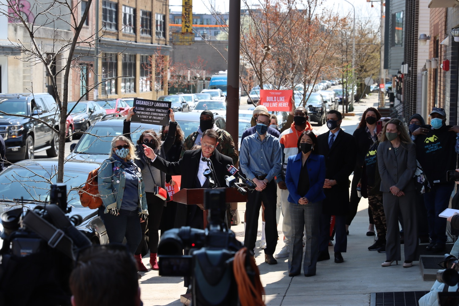 """<a href=""""https://filesource.wostreaming.net/commonwealthofpa/photo/18652_oag_evictions_03.JPG"""" target=""""_blank"""">⇣Download Photo<br></a>AG Shapiro, Impacted Tenants Mark Victory in Eviction Case"""
