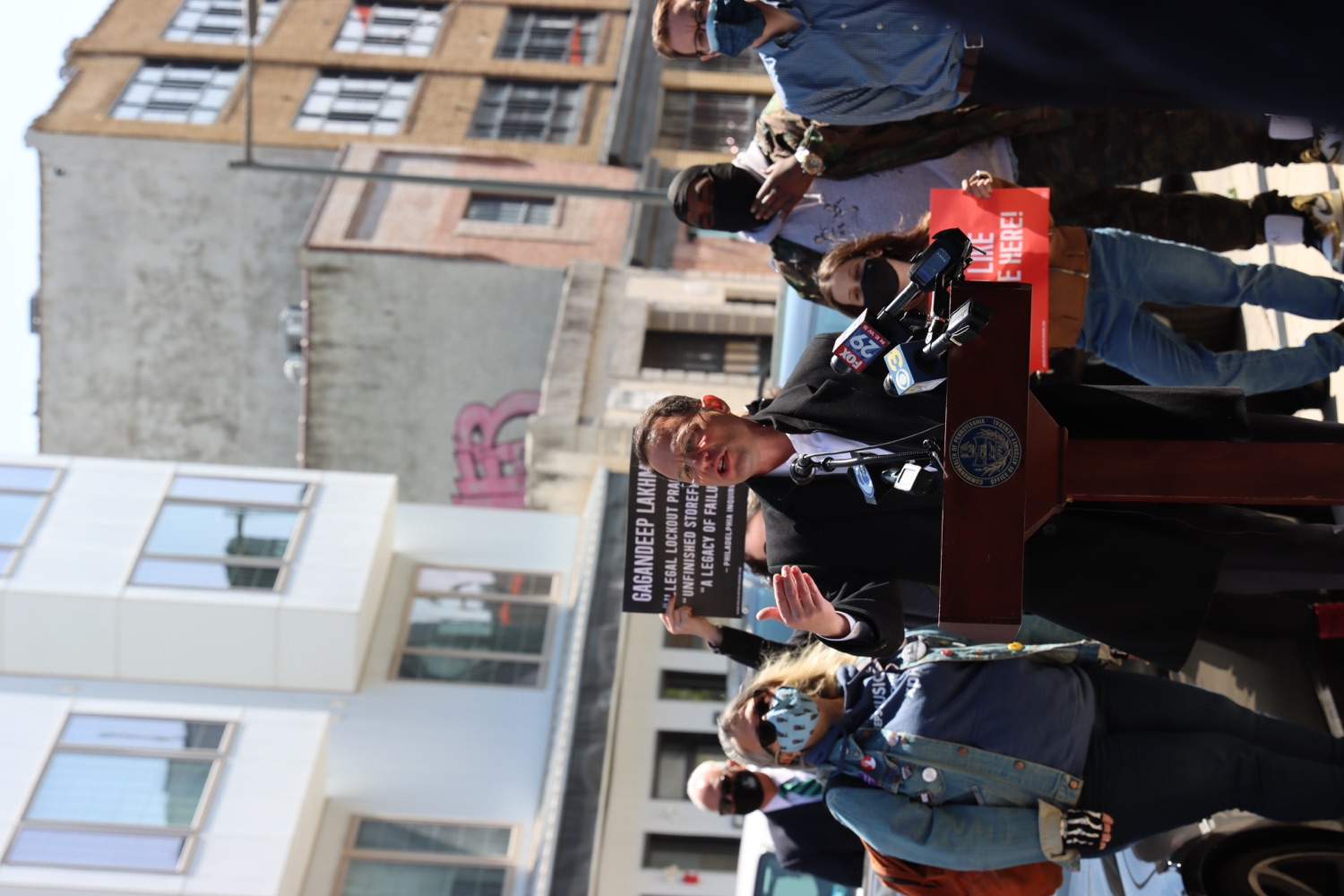 """<a href=""""https://filesource.wostreaming.net/commonwealthofpa/photo/18652_oag_evictions_06.JPG"""" target=""""_blank"""">⇣Download Photo<br></a>AG Shapiro, Impacted Tenants Mark Victory in Eviction Case"""
