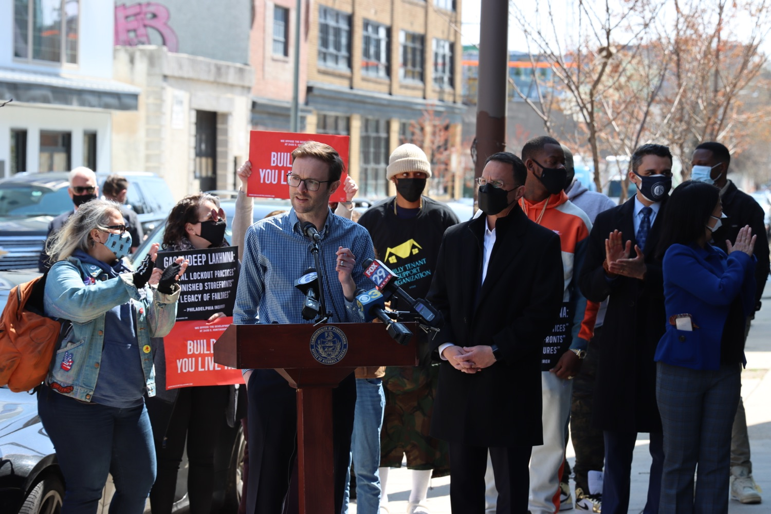"""<a href=""""https://filesource.wostreaming.net/commonwealthofpa/photo/18652_oag_evictions_09.JPG"""" target=""""_blank"""">⇣Download Photo<br></a>AG Shapiro, Impacted Tenants Mark Victory in Eviction Case"""