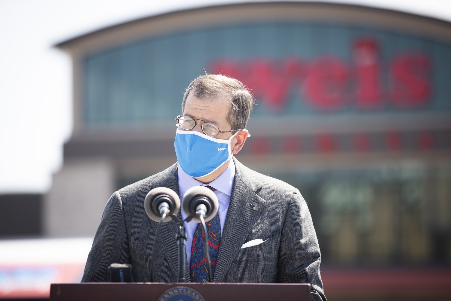 """<a href=""""https://filesource.wostreaming.net/commonwealthofpa/photo/18654_gov_vaccineeligibility_dz_007.jpg"""" target=""""_blank"""">⇣Download Photo<br></a>Jonathan Weis, chairman, president and CEO of Weis speaking to the press.  Gov. Tom Wolf visited Weis Markets in Enola, Cumberland County, to recognize the heroic efforts of Pennsylvania's grocery store workers, who are now eligible for the COVID-19 vaccine.  The governor expressed his gratitude to Pennsylvania's 180,000 grocery store workers, who suddenly became frontline workers as the state took critical steps to mitigate the spread of COVID-19. Grocery stores were deemed life-sustaining businesses, and these employees put their lives at risk to ensure their stores remained open to the public. APRIL 06, 2021 - ENOLA, PA.."""