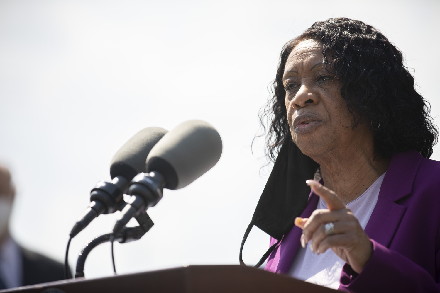 "<a href=""https://filesource.wostreaming.net/commonwealthofpa/photo/18666_gov_vaccines_dz_006.jpg"" target=""_blank"">⇣ Download Photo<br></a>Pastor of Bethlehem Baptist Church Rev. Earlene Coleman speaking to the press.  As Pennsylvanias vaccination plan accelerates and more than a third of the states eligible population is vaccinated, Governor Tom Wolf today visited a new vaccination clinic in McKeesport to talk about vaccine equity and progress.  McKeesport, PA  April 7, 2021"