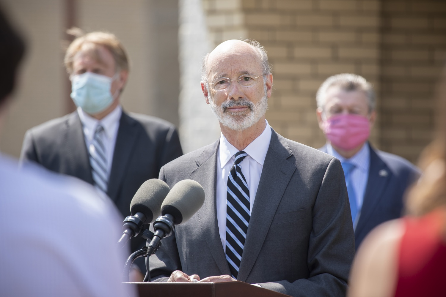 "<a href=""https://filesource.wostreaming.net/commonwealthofpa/photo/18666_gov_vaccines_dz_013.jpg"" target=""_blank"">⇣ Download Photo<br></a>Pennsylvania Governor Tom Wolf speaking to the press.  As Pennsylvanias vaccination plan accelerates and more than a third of the states eligible population is vaccinated, Governor Tom Wolf today visited a new vaccination clinic in McKeesport to talk about vaccine equity and progress.  McKeesport, PA  April 7, 2021"