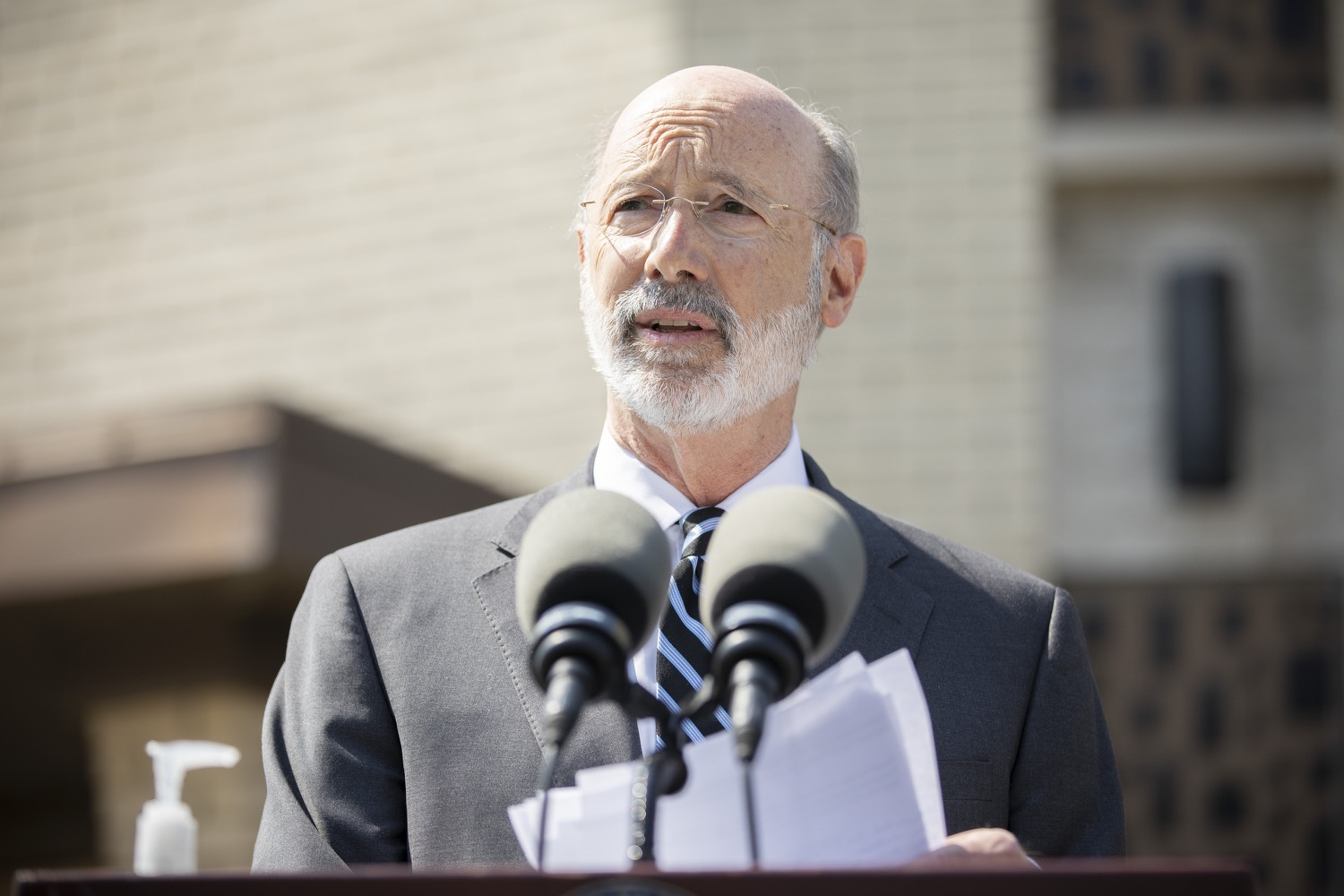 "<a href=""https://filesource.wostreaming.net/commonwealthofpa/photo/18666_gov_vaccines_dz_018.jpg"" target=""_blank"">⇣ Download Photo<br></a>Pennsylvania Governor Tom Wolf speaking to the press.  As Pennsylvanias vaccination plan accelerates and more than a third of the states eligible population is vaccinated, Governor Tom Wolf today visited a new vaccination clinic in McKeesport to talk about vaccine equity and progress.  McKeesport, PA  April 7, 2021"