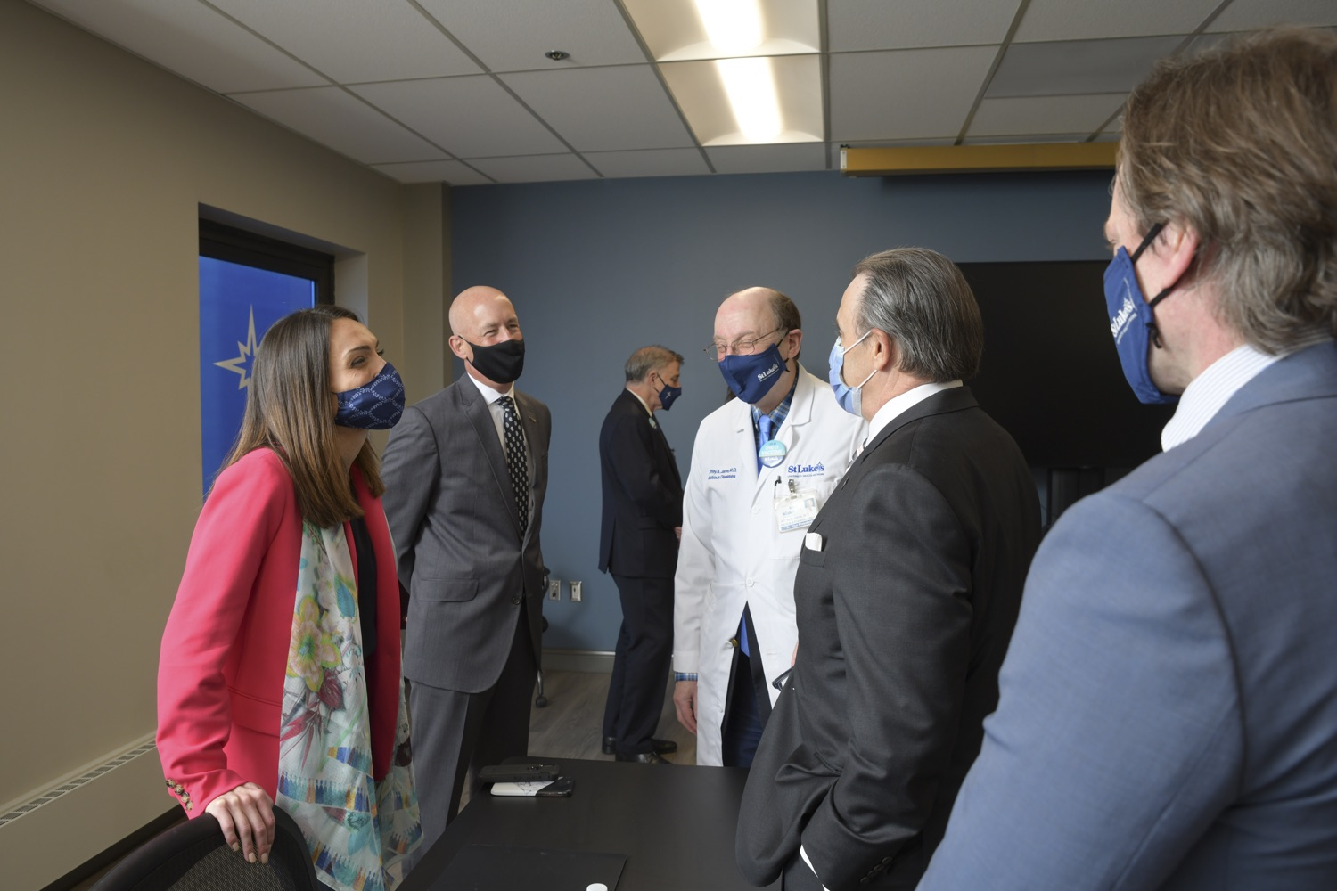 """<a href=""""https://filesource.wostreaming.net/commonwealthofpa/photo/18670_doh_stluke_05.jpg"""" target=""""_blank"""">⇣Download Photo<br></a>Department of Health Joins St. Luke's University Health Network, Muslim Aid Initiative to Discuss Vaccine Hesitancy"""