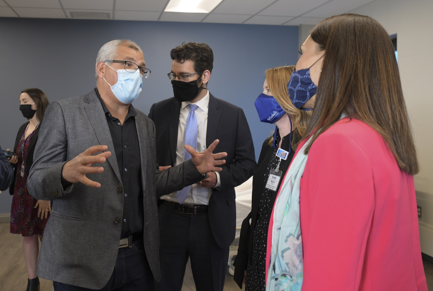 """<a href=""""https://filesource.wostreaming.net/commonwealthofpa/photo/18670_doh_stluke_13.jpg"""" target=""""_blank"""">⇣Download Photo<br></a>Department of Health Joins St. Luke's University Health Network, Muslim Aid Initiative to Discuss Vaccine Hesitancy"""