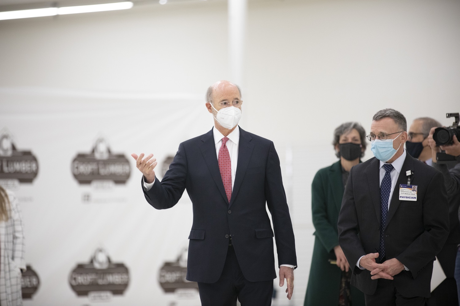 """<a href=""""https://filesource.wostreaming.net/commonwealthofpa/photo/18682_gov_vaccineClinic_dz_019.jpg"""" target=""""_blank"""">⇣Download Photo<br></a>Pennsylvania Governor Tom Wolf touring the regional vaccination clinic with Dr. J. Michael Scalzone, MD.  Governor Tom Wolf today visited the Guthrie Health vaccine clinic in Sayre, Bradford County today to tour this clinic providing vaccines to a large swath of rural residents and to talk about progress in vaccinating Pennsylvanians now that eligibility is open to all individuals age 16 and older.  Sayre, PA   April 21, 2021"""