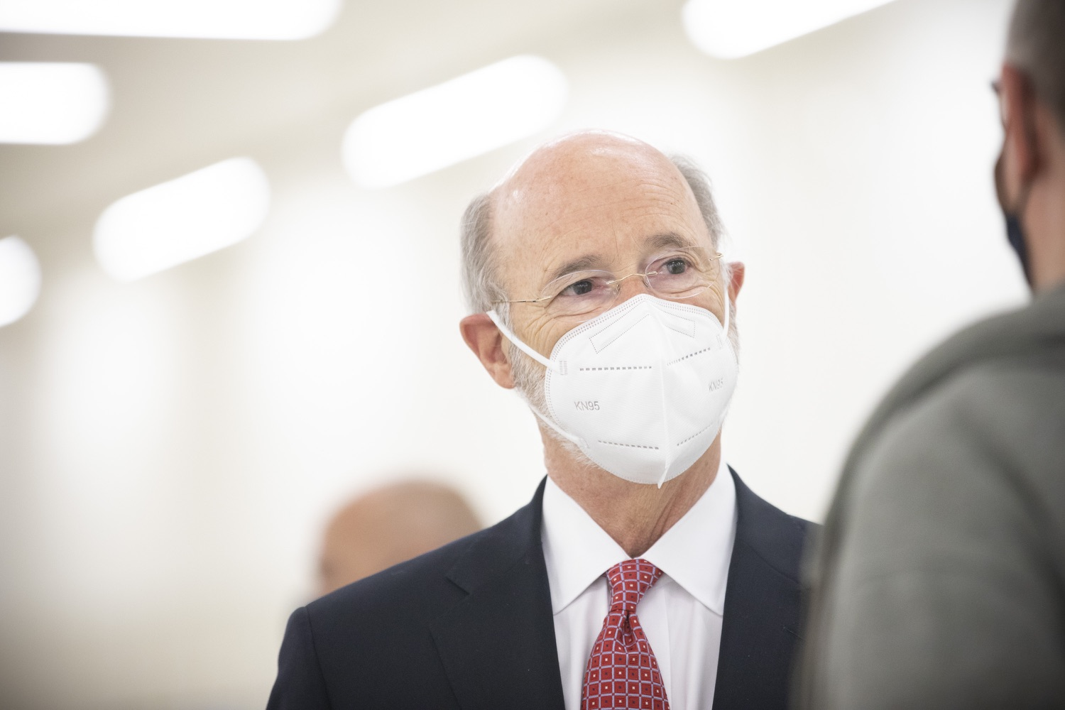"""<a href=""""https://filesource.wostreaming.net/commonwealthofpa/photo/18682_gov_vaccineClinic_dz_021.jpg"""" target=""""_blank"""">⇣Download Photo<br></a>Pennsylvania Governor Tom Wolf touring the regional vaccination clinic.   Governor Tom Wolf today visited the Guthrie Health vaccine clinic in Sayre, Bradford County today to tour this clinic providing vaccines to a large swath of rural residents and to talk about progress in vaccinating Pennsylvanians now that eligibility is open to all individuals age 16 and older.  Sayre, PA   April 21, 2021"""