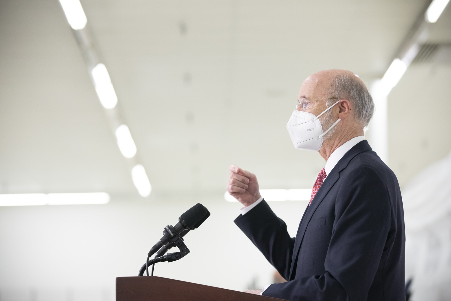 """<a href=""""https://filesource.wostreaming.net/commonwealthofpa/photo/18682_gov_vaccineClinic_dz_025.jpg"""" target=""""_blank"""">⇣Download Photo<br></a>Pennsylvania Governor Tom Wolf speaking with the press.  Governor Tom Wolf today visited the Guthrie Health vaccine clinic in Sayre, Bradford County today to tour this clinic providing vaccines to a large swath of rural residents and to talk about progress in vaccinating Pennsylvanians now that eligibility is open to all individuals age 16 and older.  Sayre, PA   April 21, 2021"""