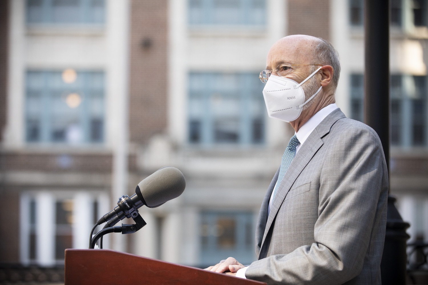 """<a href=""""https://filesource.wostreaming.net/commonwealthofpa/photo/18688_gov_vaccines_dz_002.jpg"""" target=""""_blank"""">⇣Download Photo<br></a>Pennsylvania Governor Tom Wolf speaking with the press.  As Pennsylvania continues its accelerated COVID-19 vaccination plan, Pennsylvanians who are not able to leave their homes must be reached, and various state agencies and community groups are helping. Governor Tom Wolf visited Reading to talk about how the state and its partners are using various means to reach people not able to leave home to be vaccinated against COVID-19.  APRIL 26, 2021 - READING, PA"""