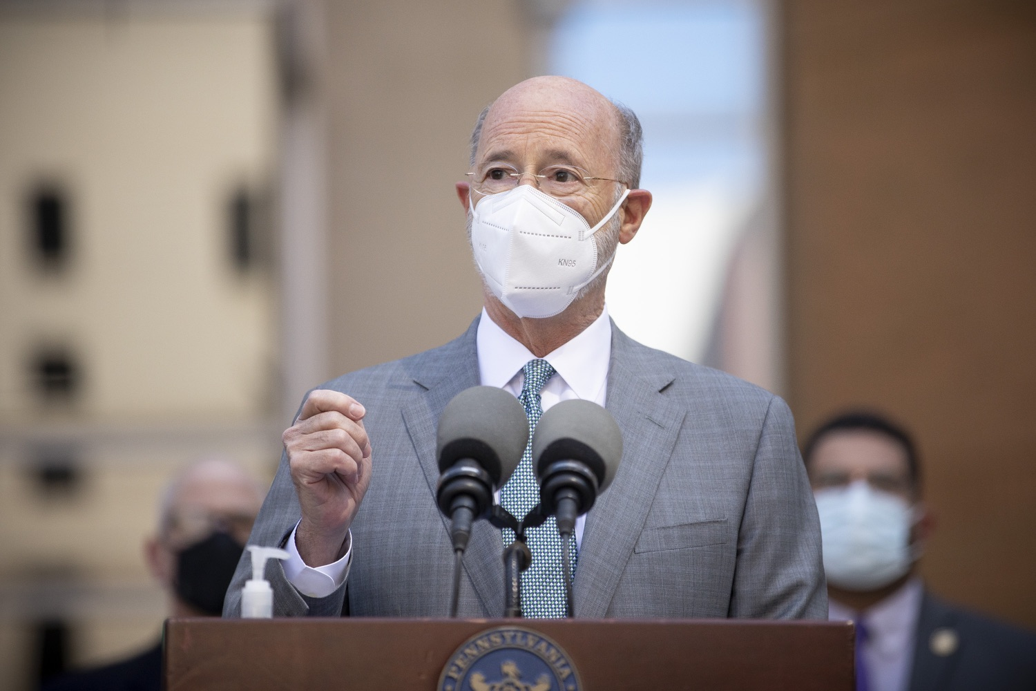 """<a href=""""https://filesource.wostreaming.net/commonwealthofpa/photo/18688_gov_vaccines_dz_004.jpg"""" target=""""_blank"""">⇣Download Photo<br></a>Pennsylvania Governor Tom Wolf speaking with the press.  As Pennsylvania continues its accelerated COVID-19 vaccination plan, Pennsylvanians who are not able to leave their homes must be reached, and various state agencies and community groups are helping. Governor Tom Wolf visited Reading to talk about how the state and its partners are using various means to reach people not able to leave home to be vaccinated against COVID-19.  APRIL 26, 2021 - READING, PA"""