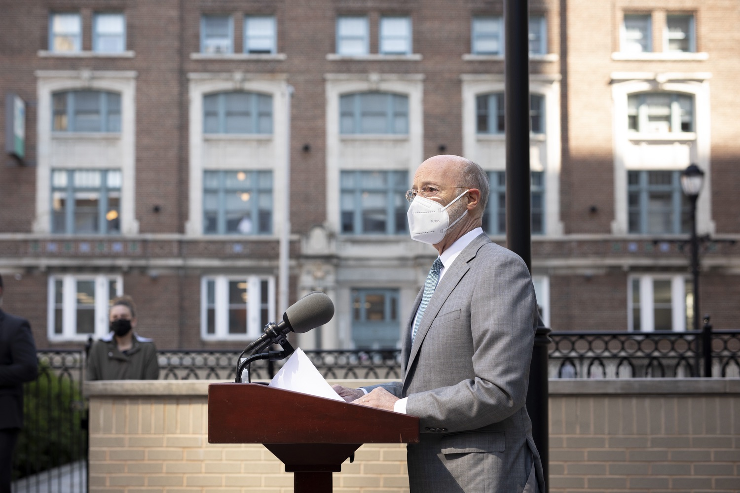 """<a href=""""https://filesource.wostreaming.net/commonwealthofpa/photo/18688_gov_vaccines_dz_011.jpg"""" target=""""_blank"""">⇣Download Photo<br></a>Pennsylvania Governor Tom Wolf speaking with the press.  As Pennsylvania continues its accelerated COVID-19 vaccination plan, Pennsylvanians who are not able to leave their homes must be reached, and various state agencies and community groups are helping. Governor Tom Wolf visited Reading to talk about how the state and its partners are using various means to reach people not able to leave home to be vaccinated against COVID-19.  APRIL 26, 2021 - READING, PA"""