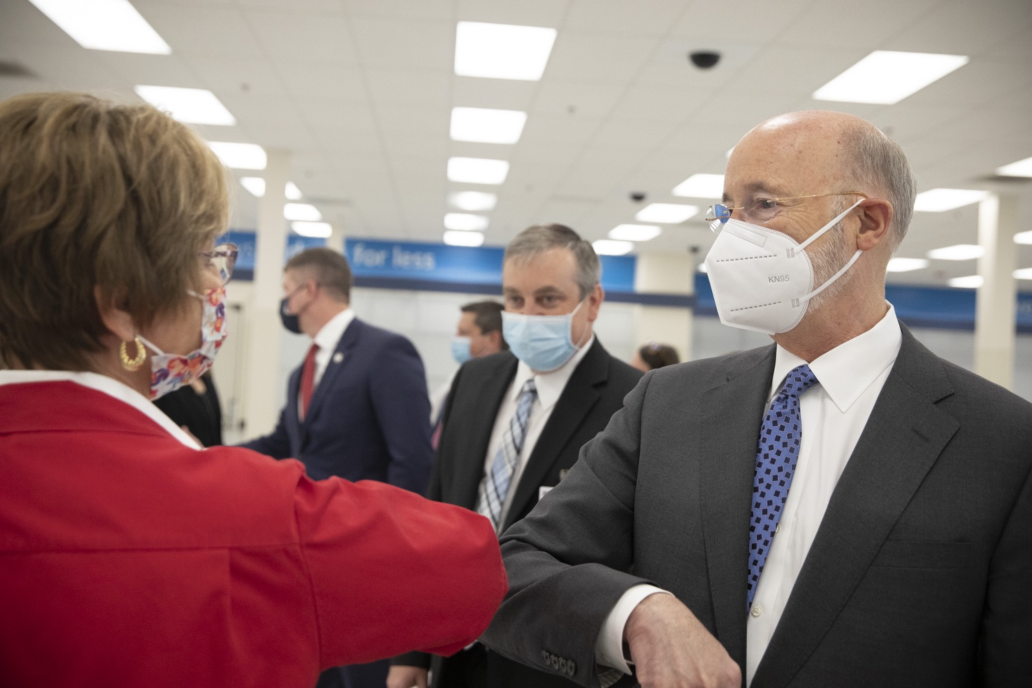 "<a href=""https://filesource.wostreaming.net/commonwealthofpa/photo/18712_gov_vaccines_dz_009.jpg"" target=""_blank"">⇣ Download Photo<br></a>Pennsylvania Governor Tom Wolf touring the vaccine facility with  Brook Ward, Washington Health System CEO & President and Pennsylvania State Representative Tim O'Neal.Continuing to visit COVID-19 vaccine clinics around the state, Governor Tom Wolf toured a clinic at the Washington Crown Center in Washington County today. The clinic is one of three operated by the Washington Health System (WHS) serving rural communities in southwestern Pennsylvania.  North Franklin Township, PA  April 28, 2021"