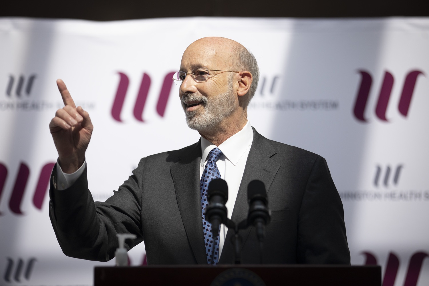 "<a href=""https://filesource.wostreaming.net/commonwealthofpa/photo/18712_gov_vaccines_dz_010.jpg"" target=""_blank"">⇣ Download Photo<br></a>Pennsylvania Governor Tom Wolf speaking with the press.  Continuing to visit COVID-19 vaccine clinics around the state, Governor Tom Wolf toured a clinic at the Washington Crown Center in Washington County today. The clinic is one of three operated by the Washington Health System (WHS) serving rural communities in southwestern Pennsylvania.  North Franklin Township, PA  April 28, 2021"