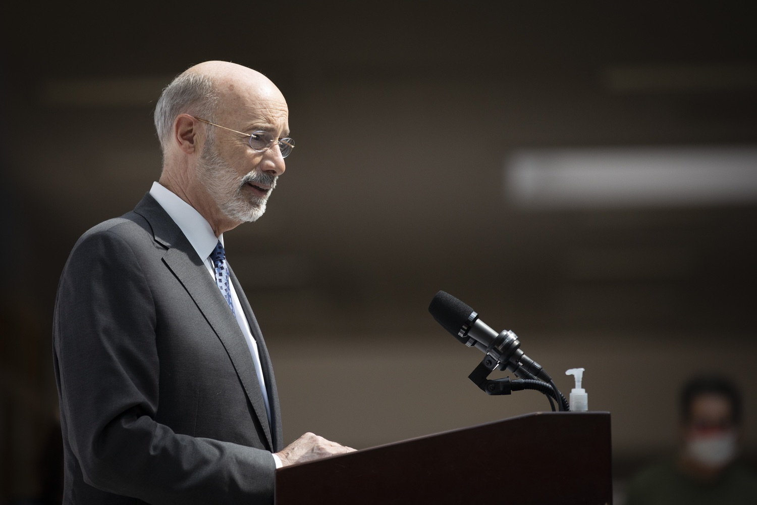 "<a href=""https://filesource.wostreaming.net/commonwealthofpa/photo/18712_gov_vaccines_dz_013.jpg"" target=""_blank"">⇣ Download Photo<br></a>Pennsylvania Governor Tom Wolf speaking with the press.  Continuing to visit COVID-19 vaccine clinics around the state, Governor Tom Wolf toured a clinic at the Washington Crown Center in Washington County today. The clinic is one of three operated by the Washington Health System (WHS) serving rural communities in southwestern Pennsylvania.  North Franklin Township, PA  April 28, 2021"