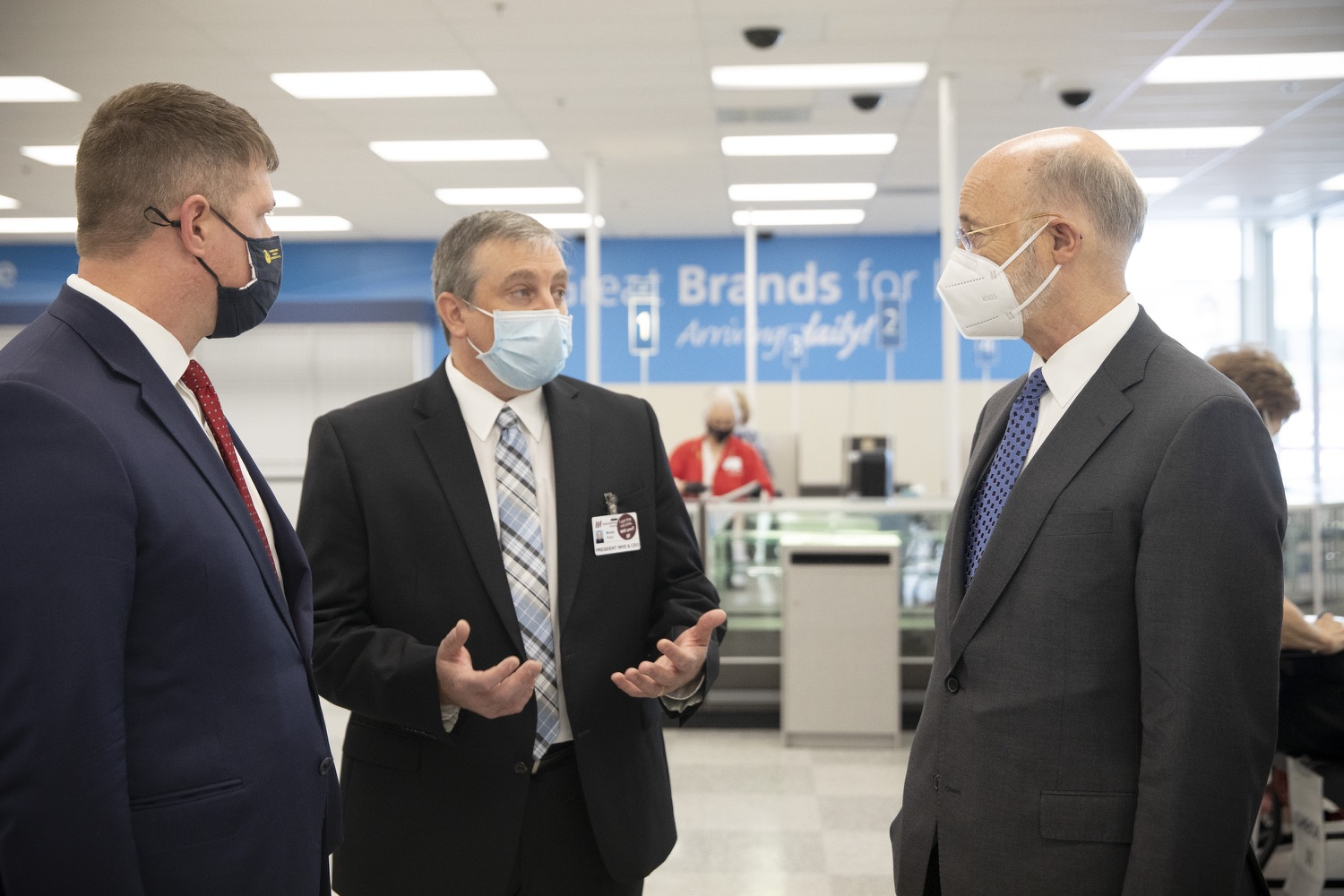 "<a href=""https://filesource.wostreaming.net/commonwealthofpa/photo/18712_gov_vaccines_dz_015.jpg"" target=""_blank"">⇣ Download Photo<br></a>Pennsylvania Governor Tom Wolf touring the vaccine facility with  Brook Ward, Washington Health System CEO & President and Pennsylvania State Representative Tim O'Neal.Continuing to visit COVID-19 vaccine clinics around the state, Governor Tom Wolf toured a clinic at the Washington Crown Center in Washington County today. The clinic is one of three operated by the Washington Health System (WHS) serving rural communities in southwestern Pennsylvania.  North Franklin Township, PA  April 28, 2021"