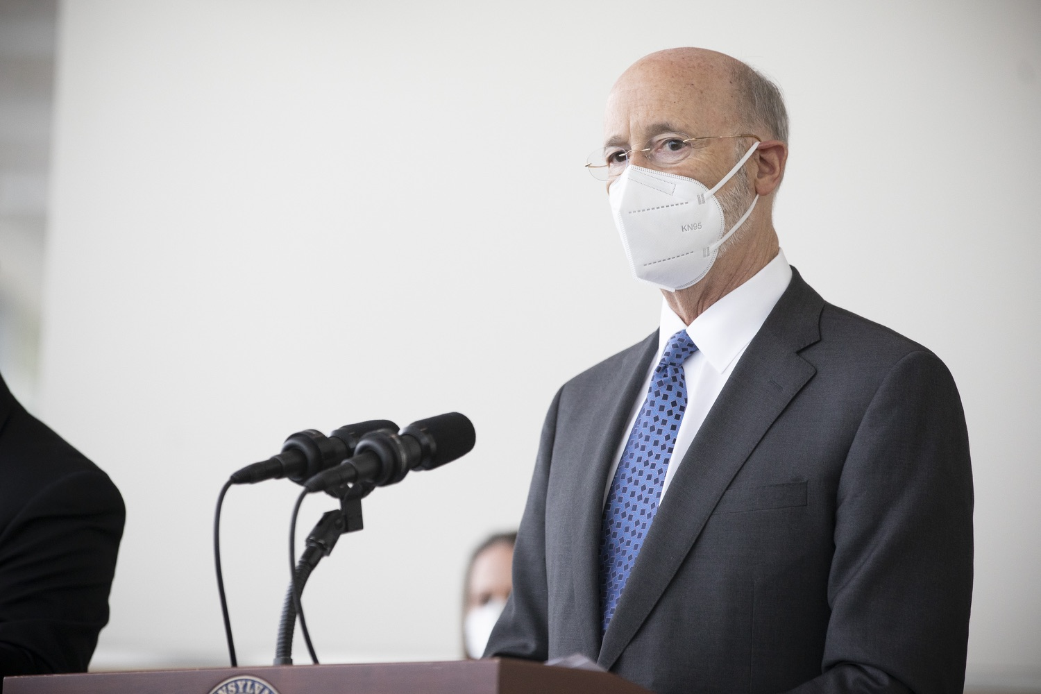 """<a href=""""https://filesource.wostreaming.net/commonwealthofpa/photo/18716_gov_erieVaccination_dz_006.jpg"""" target=""""_blank"""">⇣Download Photo<br></a>Pennsylvania Governor Tom Wolf speaking with the press.  Governor Tom Wolf toured a COVID-19 vaccine clinic at the Bayfront Convention Center in Erie that is operated by the Erie County Department of Health and the Lake Erie College of Osteopathic Medicine (LECOM) Institute for Successful Aging. The governor discussed the states vaccination effort and reminded all Pennsylvanians the vaccine is available, free and safe.  Erie, PA  April 28, 2021"""