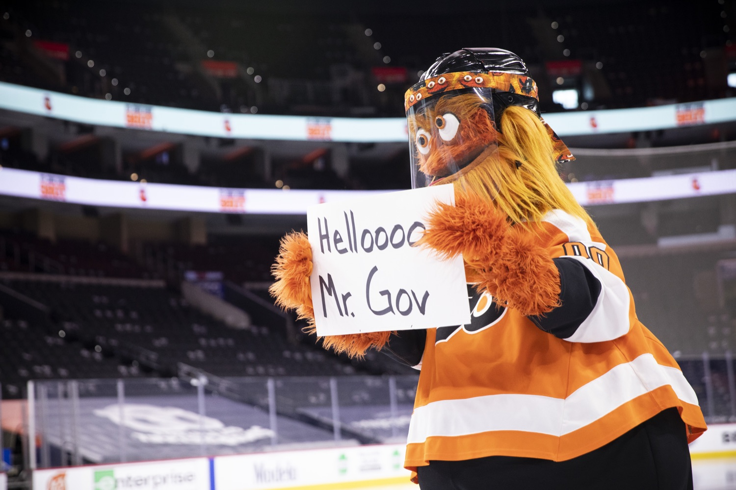 "<a href=""https://filesource.wostreaming.net/commonwealthofpa/photo/18727_gov_vaccines_dz_007.jpg"" target=""_blank"">⇣ Download Photo<br></a>Philadelphia Flyers' mascot Gritty at the press conference.   Governor Tom Wolf today visited the Philadelphia Flyers organization at the Wells Fargo Center in Philadelphia to discuss COVID-19 vaccine efforts in Pennsylvania. The Flyers recently launched a comprehensive COVID-19 vaccine campaign, Take Your Shot, encouraging Pennsylvanians to get vaccinated.  Philadelphia, PA  MAY 3, 2021"