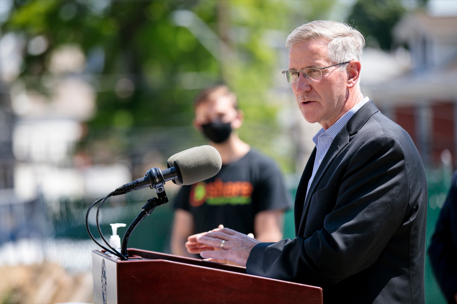 """<a href=""""https://filesource.wostreaming.net/commonwealthofpa/photo/18761_AGRIC_Senior_Food_Box_NK_001.jpg"""" target=""""_blank"""">⇣Download Photo<br></a>PA Dept. of Agriculture Secretary Russell Redding speaks during a press conference, announcing steps to increase access to Pennsylvanias Senior Food Boxes, a supplemental food program available free to lower income seniors, outside Kings Terrace in Phoenixville on Wednesday, May 19, 2021."""