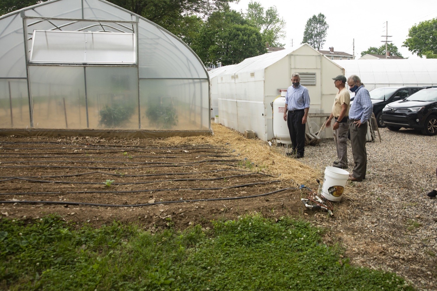 """<a href=""""https://filesource.wostreaming.net/commonwealthofpa/photo/18787_agric_urbangardens_07.jpg"""" target=""""_blank"""">⇣Download Photo<br></a>Bruce Manns gives Secretary Russell Redding a tour of the many greenhouses and gardens at York Fresh Food Farms, in York, PA on July 3, 2021."""