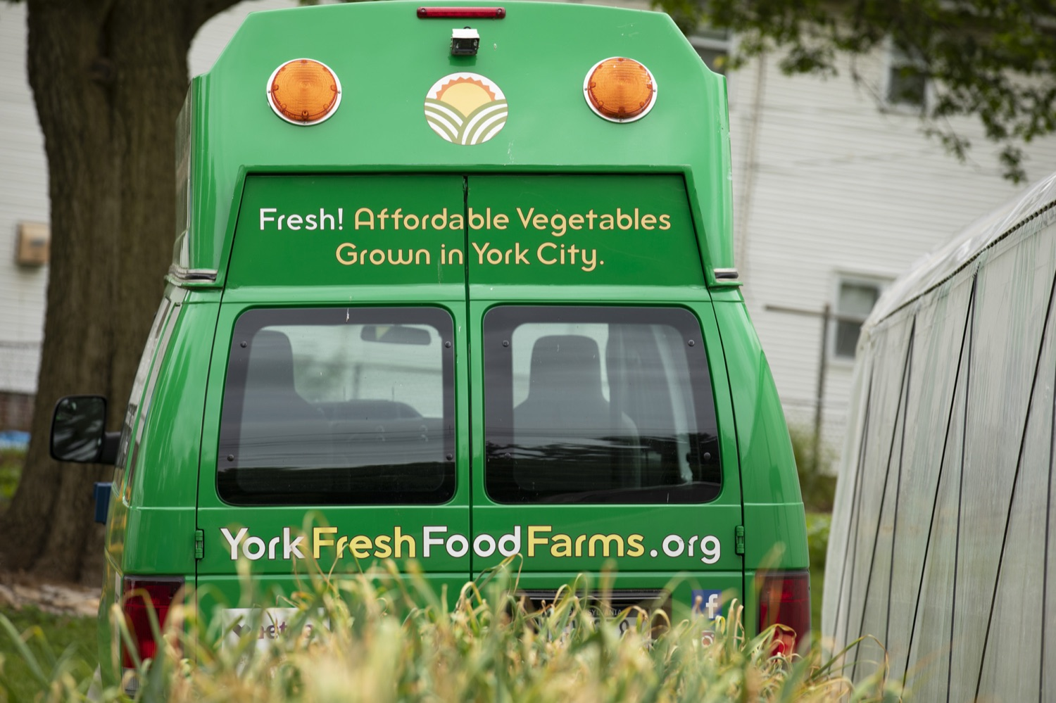 """<a href=""""https://filesource.wostreaming.net/commonwealthofpa/photo/18787_agric_urbangardens_15.jpg"""" target=""""_blank"""">⇣Download Photo<br></a>The Wolf Administration has invested $1 million in building infrastructure for food sovereignty and security in urban areas across Pennsylvania, at York Fresh Food Farms on June 3, 2021."""