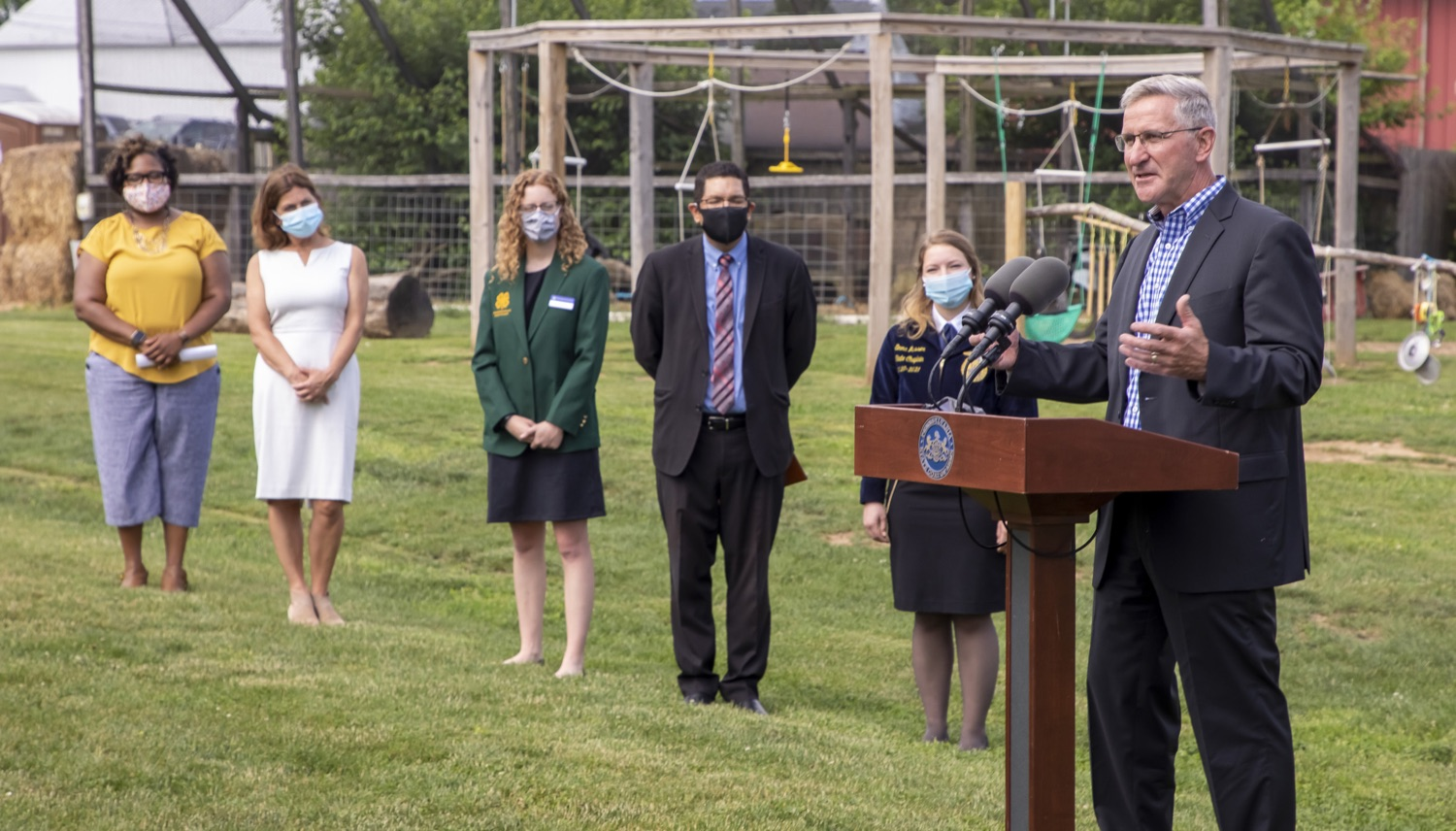"""<a href=""""https://filesource.wostreaming.net/commonwealthofpa/photo/18791_agric_AGcareer_00023.jpg"""" target=""""_blank"""">⇣Download Photo<br></a>Wolf Administration to Families: Kids are the Future of Pennsylvania Agriculture, Explore Hands-On Ag Opportunities this Summer"""