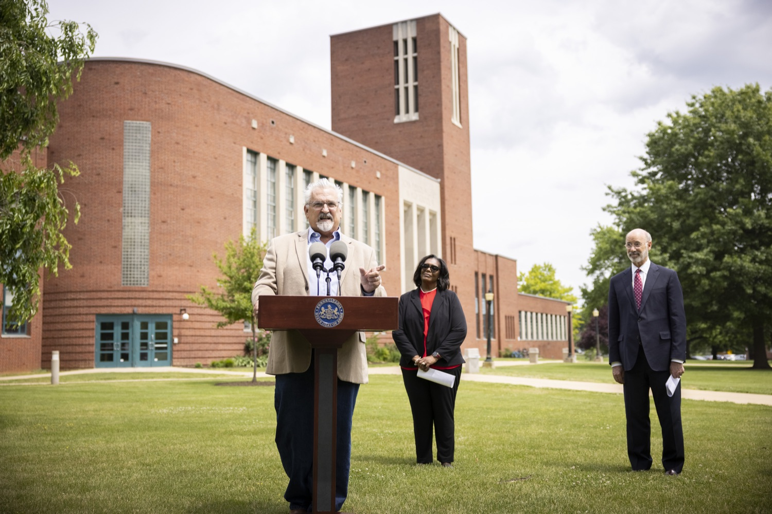 """<a href=""""https://filesource.wostreaming.net/commonwealthofpa/photo/18796_gov_charterSchool_dz_005.jpg"""" target=""""_blank"""">⇣Download Photo<br></a>Representative Mike Sturla speaking with the press.  With overwhelming support among school districts for his charter school accountability plan, Governor Tom Wolf visited J.P. McCaskey High School in Lancaster today to discuss his bipartisan proposal that saves an estimated $395 million a year. Lancaster, PA  June 01, 2021"""