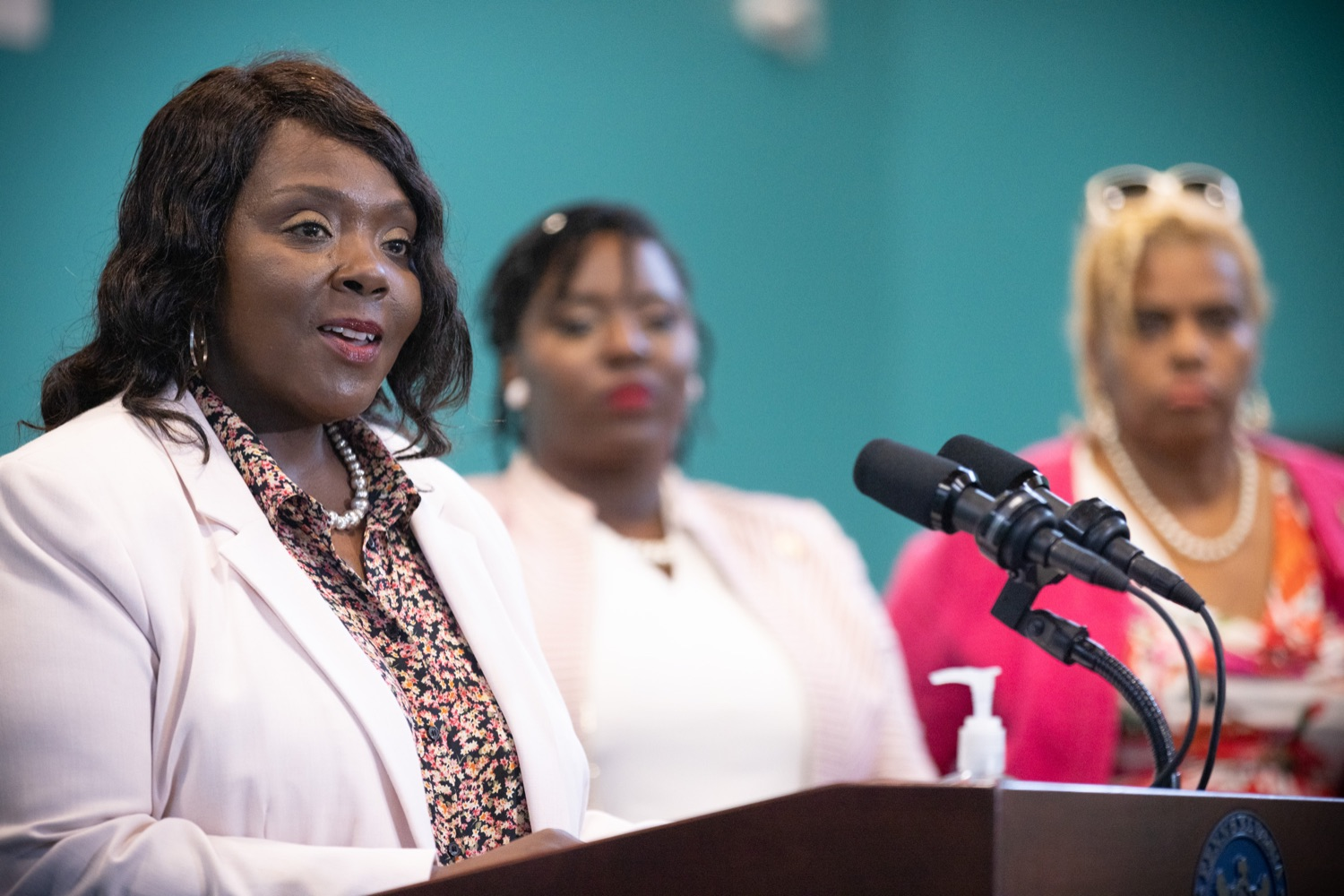 """<a href=""""https://filesource.wostreaming.net/commonwealthofpa/photo/18815_gov_voterRights_dz_004.jpg"""" target=""""_blank"""">⇣Download Photo<br></a>Acting Secretary of the Commonwealth Veronica Degraffenreid, speaking with the press.  With some politicians spreading lies about our elections to divide us, Governor Tom Wolf today vowed to protect the freedom to vote and oppose legislation that would create barriers to voting and silence the voices of some Pennsylvanians. These are the same lies that led directly to the appalling assault on our U.S. Capitol and our democracy on January 6, and now, just a few short months later, the same people who fomented, encouraged, and joined that mob are again emerging to undermine the fabric of our nation.   Harrisburg, PA  June 9, 2021"""