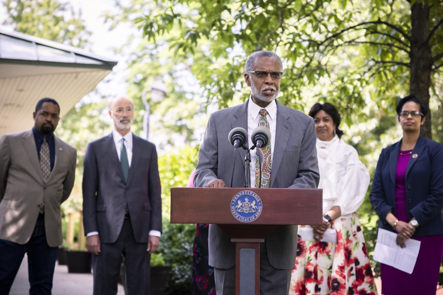 """<a href=""""https://filesource.wostreaming.net/commonwealthofpa/photo/18819_gov_reprodRights_dz_007.jpg"""" target=""""_blank"""">⇣Download Photo<br></a>Pennsylvania State Senator Art Haywood speaking with the press.  Governor Wolf will discuss proposed anti-choice legislation that is moving through the House of Representatives and reaffirm that he will veto this damaging legislation.  JUNE 10, 2021 - PHILADELPHIA, PA"""