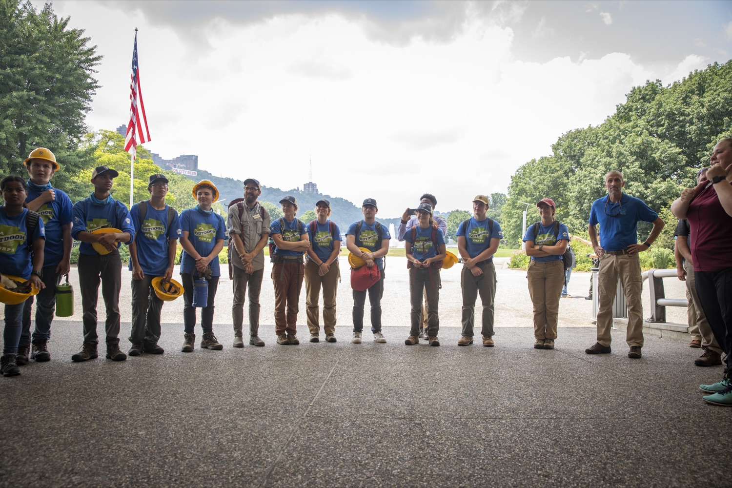 """<a href=""""https://filesource.wostreaming.net/commonwealthofpa/photo/18880_fl_outdooropportunites_cz_13.jpg"""" target=""""_blank"""">⇣Download Photo<br></a>Members of the PA Outdoor Corps meet with Secretary of DCNR Cindy Dunn and First Lady Frances Wolf, at Point State Park in Pittsburgh, PA on July 7, 2021."""